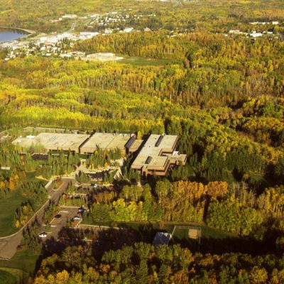 With few ideas to end its financial crisis, and austerity the theme in Edmonton, Athabasca U edges toward the precipice