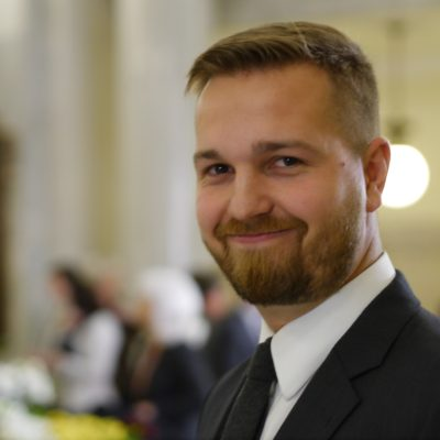 Wildrose Finance Critic Derek Fildebrandt suspended from caucus by Leader Brian Jean over social media message