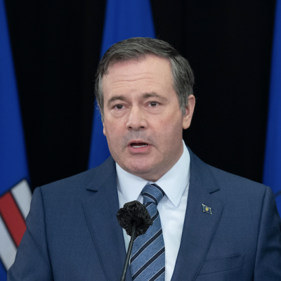 Worst news conference ever? Jason Kenney apologizes for Sky Palace patio party, touts silly equalization referendum